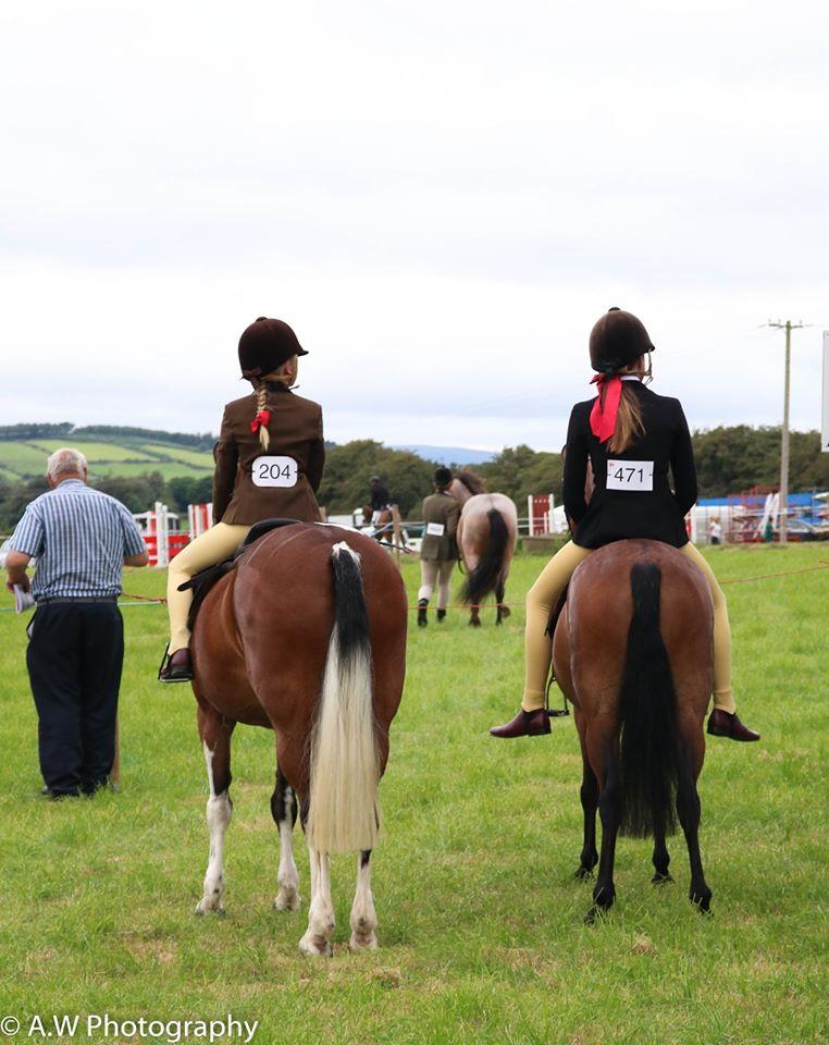 Girls-horse-show